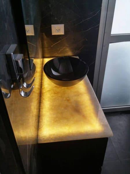 עיצוב חדר אמבטיה בשחור